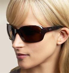 http://safedriving.files.wordpress.com/2009/08/ray-ban-sunglasses1.jpg